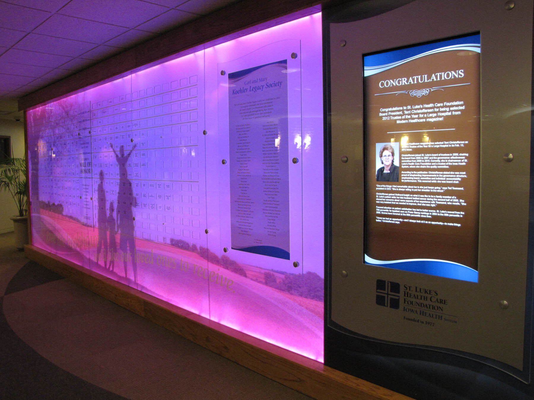 St. Lukes Hospital Digital Donor Wall with Arreya Digital Signage Suite