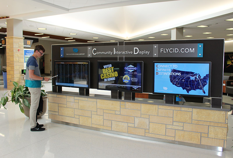Airport Digital Signage Kiosk Display with Chrome Management