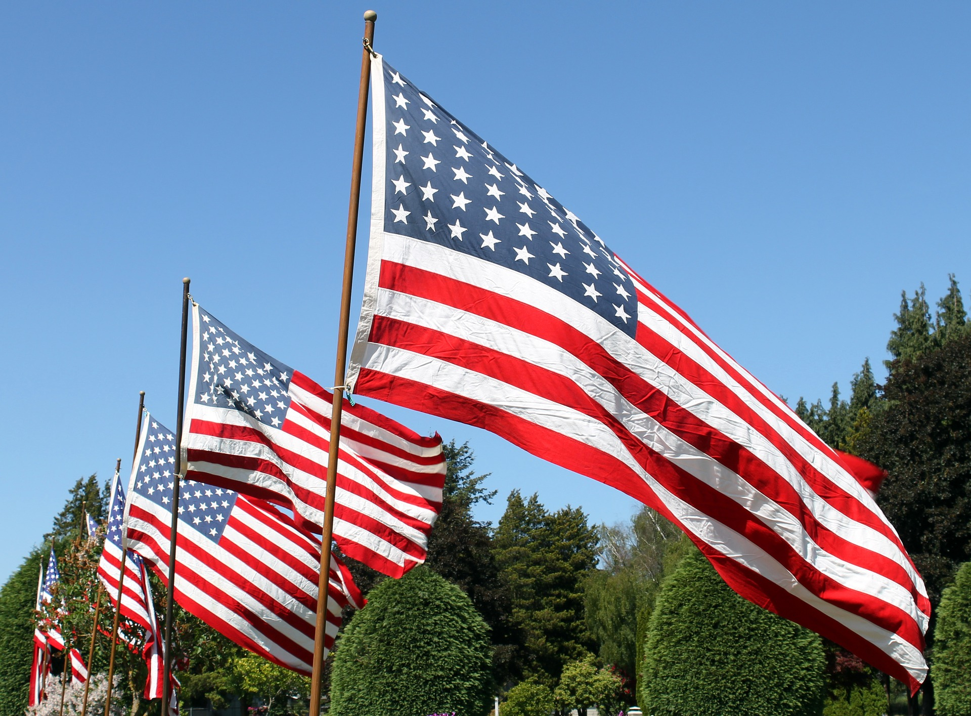 Memorial Day Flag Waving Image May 2020 Digital Signage
